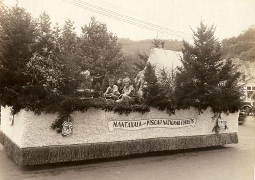 John and Margie Mattoon on a U.S. Forest Service parade float, Asheville, North Carolina, circa 1930
